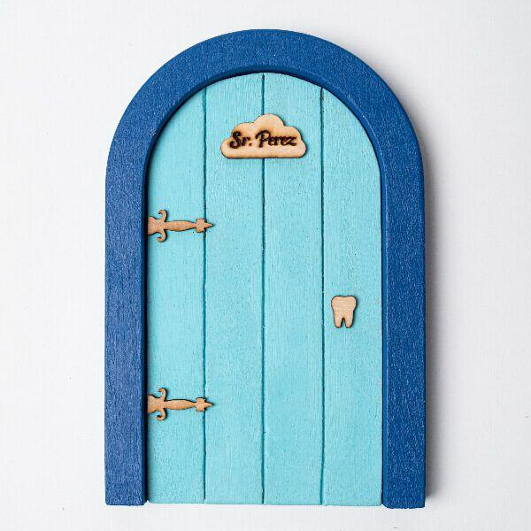 Puerta del ratoncito Pérez azul