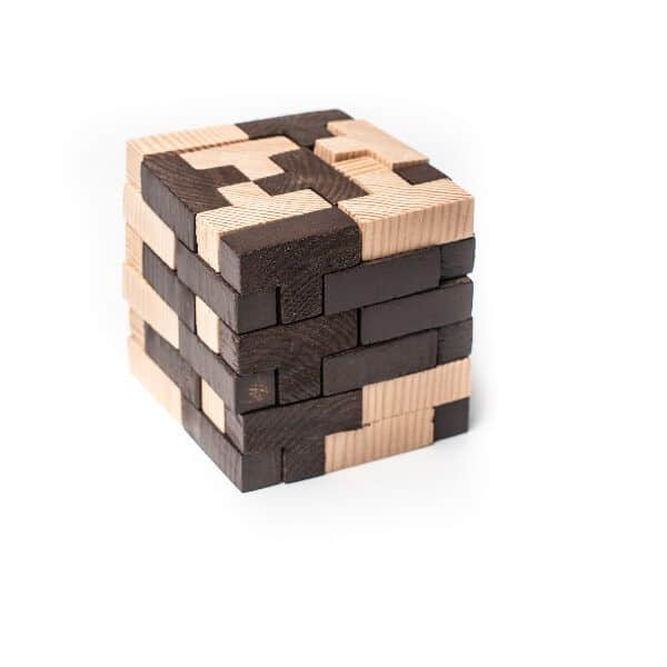 cubo rompecabezas en 3D montado