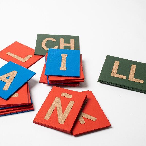 Letras lija mayúsculas Montessori