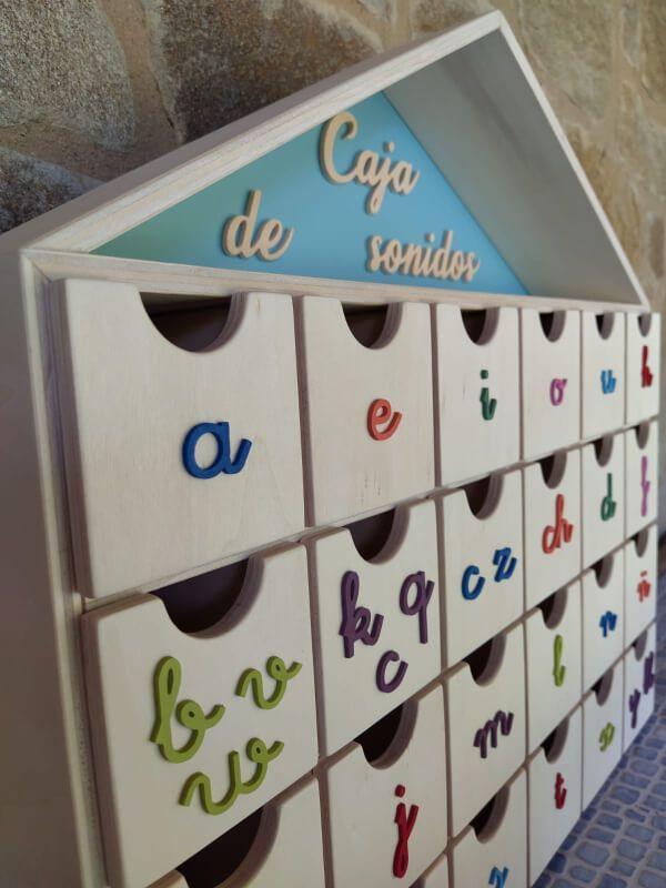 Caja de sonidos Montessori detalle