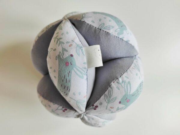 pelota Montessori conejito